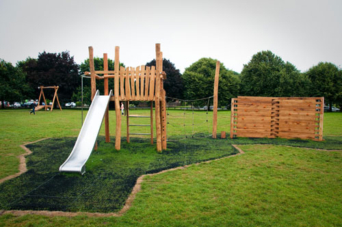 Hardwood Play Equipment Ferring - Hardwood Robinia Play Area Equipment - Robinia Manufacturer Surfacing Specialist West Sussex Surrey Hampshire London