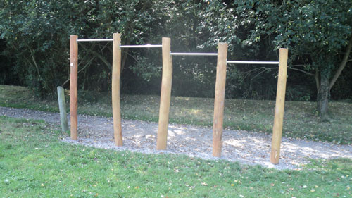 Jubilee Fields Billingshurst Hardwood Fitness Trail - Robinia Manufacturer Surfacing Specialist West Sussex Surrey Hampshire London