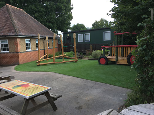 Colliers Green Primary School Cranbrook - Hardwood Robinia Equipment - Robinia Manufacturer Surfacing Specialist West Sussex Surrey Hampshire London